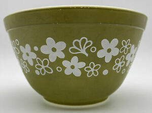 Vintage Pyrex Spring Blossom 401 Mixing Bowl Small 1.5 Pt Dull Green White