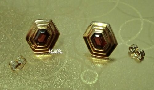 1.92g 13x10mm 14K Solid Yellow Gold & Garnet Gemstone Hexagon Shape Earrings