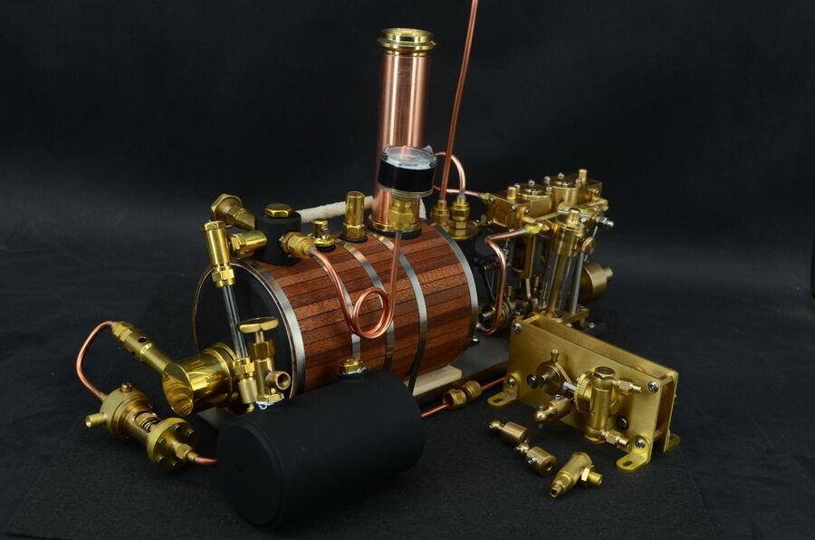 Neue zwei - zylinder motor mit boilerwith messing sich mit wasserpumpe
