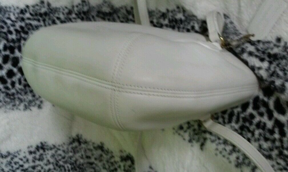 Coach purse, white leather made in the USA, great… - image 7