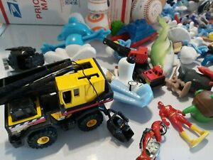 HUGE-Lot-Of-toys-action-Figures-mixed-Vtg-Now-Junk-Drawer-HOT-WHEELS-DIECAST