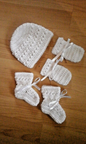 Handmade Hand Crocheted Baby Unisex XTR Hat+Mitts+Bootees  Acrylic Asstd colours