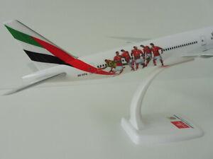 BENFICA-LISSABON-EMIRATES-Boeing-777-300ER-1-200-Herpa-611350-Snap-Fit-777