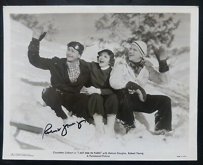 Movies Cards & Papers Strong-Willed Robert Young Signed Still '37 In Snow With Colbert & Douglas Durable Service