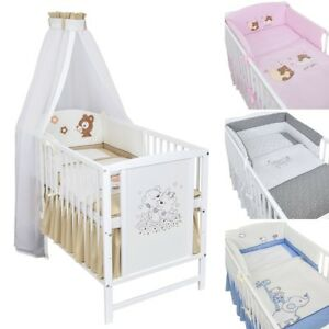 babybett kinderbett gitterbett 120x60 wei b rchen bettset stickerei komplett ebay. Black Bedroom Furniture Sets. Home Design Ideas
