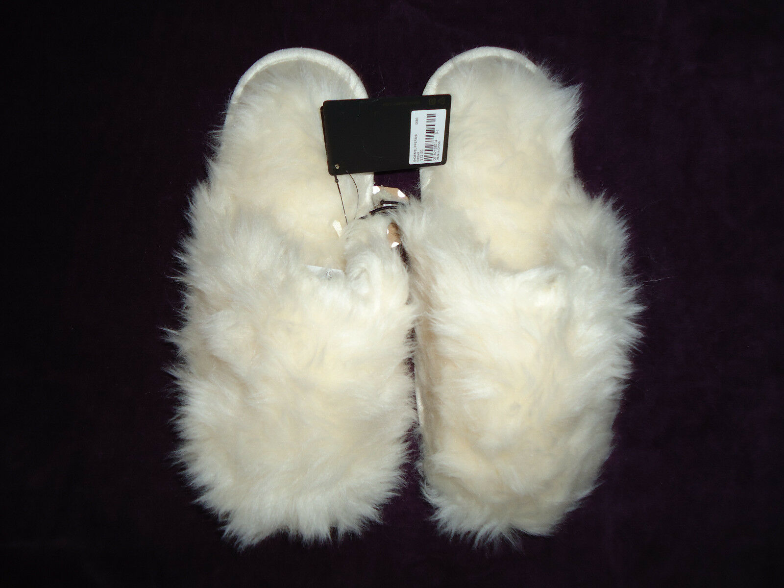 WOMENS WHITE LARGE 9-10 FAUX FUR PLUSH SLIDE SCUFFS SLIPPERS SOFT FLUFFY! NWT