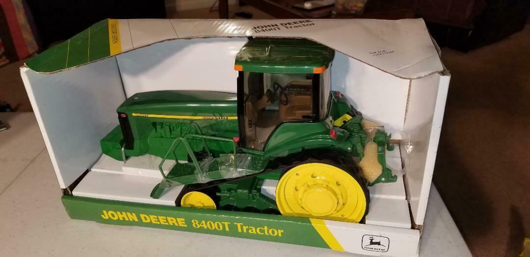 John Deere ERTL 8400 T édition collector