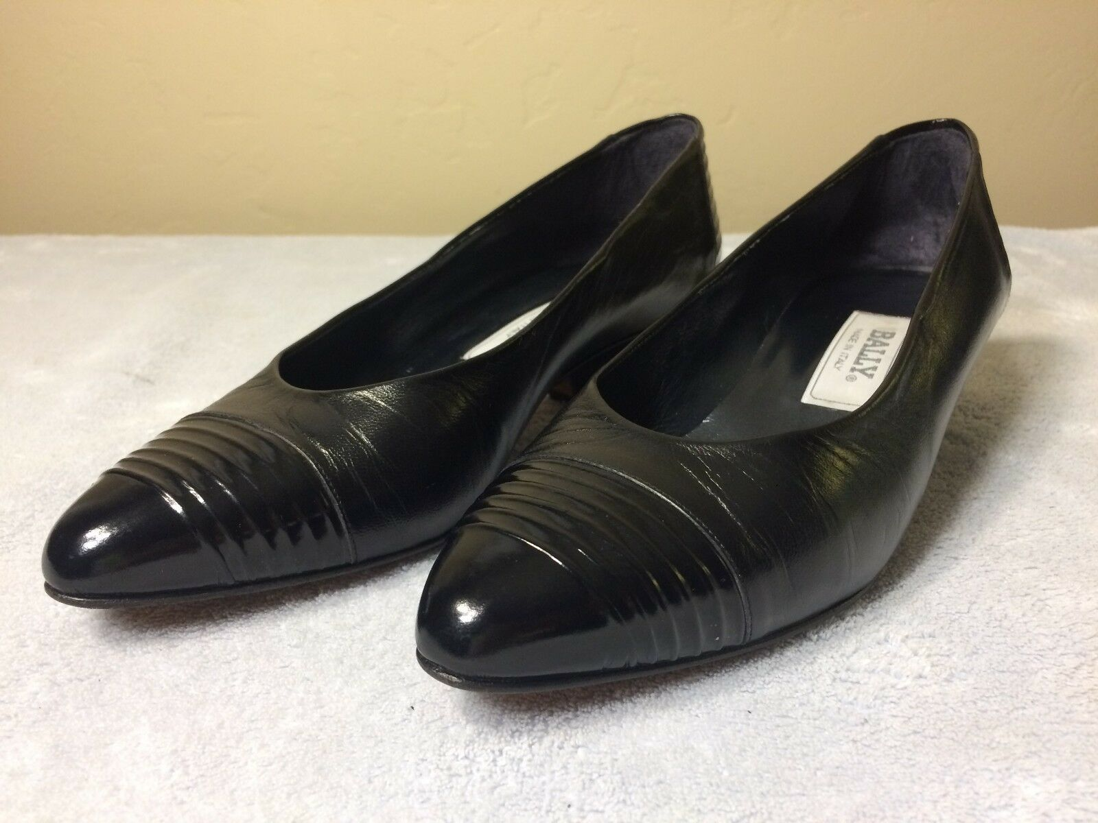 BALLY Womens Leather Shoes Size 7.5 M Slip On Black Heels Pumps Italy Heel 1.25