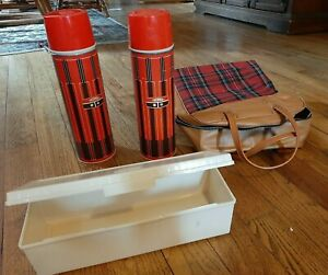 Vintage-Red-Plaid-DOUBLE-Thermos-amp-Sandwich-Box-Picnic-Bag-Travel-Lunch-Set-USA