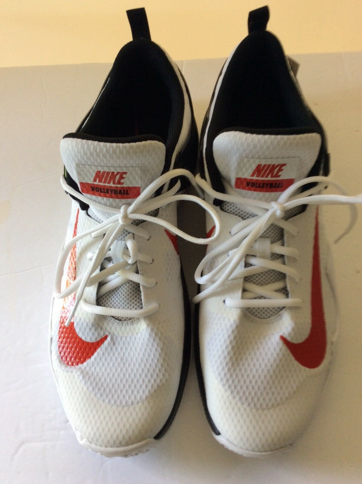 Mens Nike Volleyball shoes White with orange Stripe...SZ 14...NEW