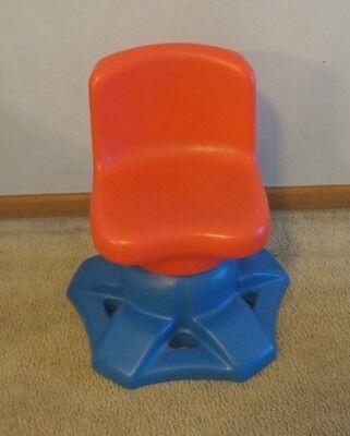 Amazing Vintage Little Tikes Tykes Art Desk Swivel Chair Child Size Dailytribune Chair Design For Home Dailytribuneorg