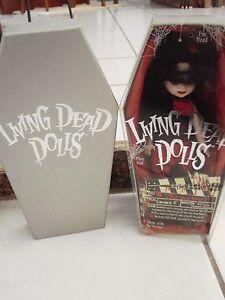 LIVING-DEAD-DOLLS-JEZEBEL-SERIES-5-FACTORY-MEZCO-w-box-doll-w-coffin-Figure