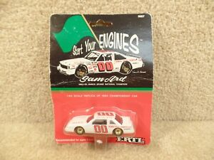New-1991-ERTL-1-64-Scale-Diecast-NASCAR-Sam-Ard-1984-Busch-Champ-Thomas-Bros-00