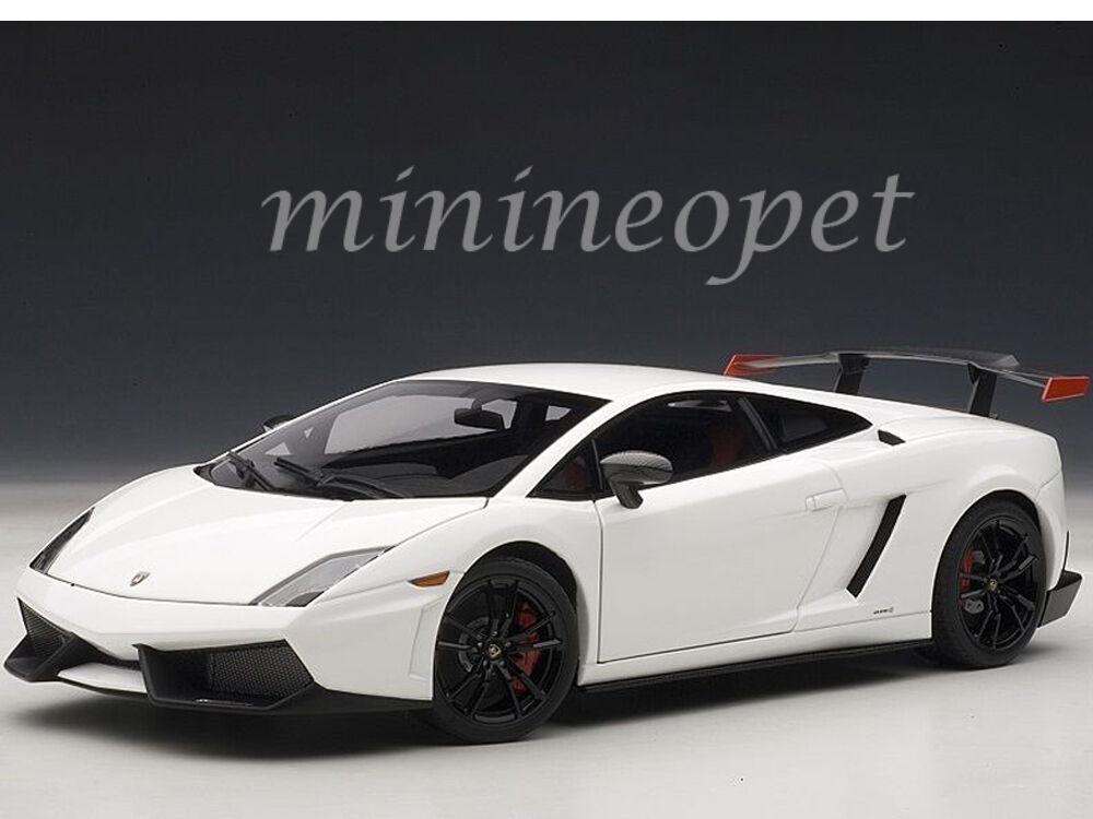 AUTOART  74693 Lamborghini Gallardo LP 570 SUPERTROFEO STRADALE 1 18 Blanc  dans les promotions de stade