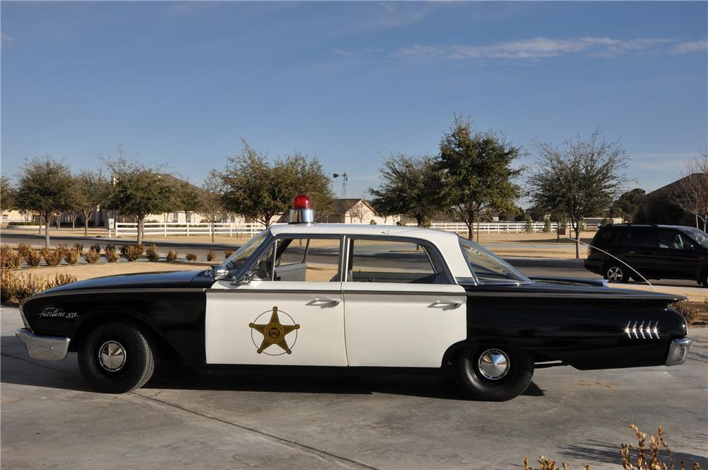 S Korea 1 28 FORD FORD FORD FAIRLANE GALAXY 4-Door POLICE CAR Wind-Up Tin Toy MIB`60 RARE 47e1bf