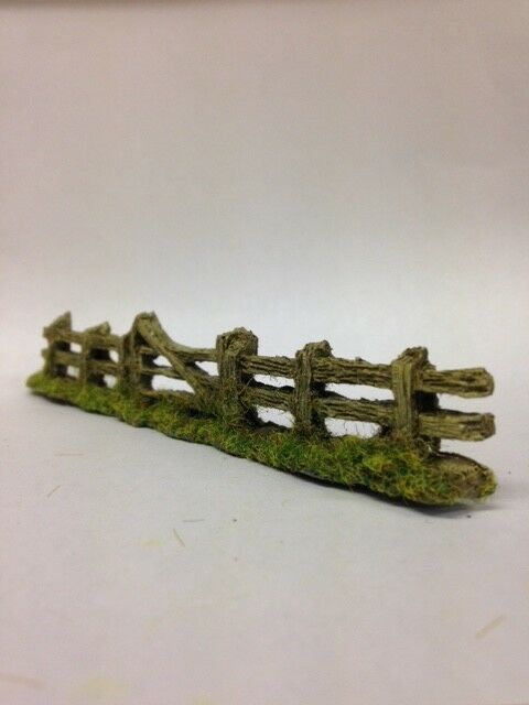 FENCING Rough weathered fence with gate 135x16mm Resin OO/HO scale JAVIS PF5