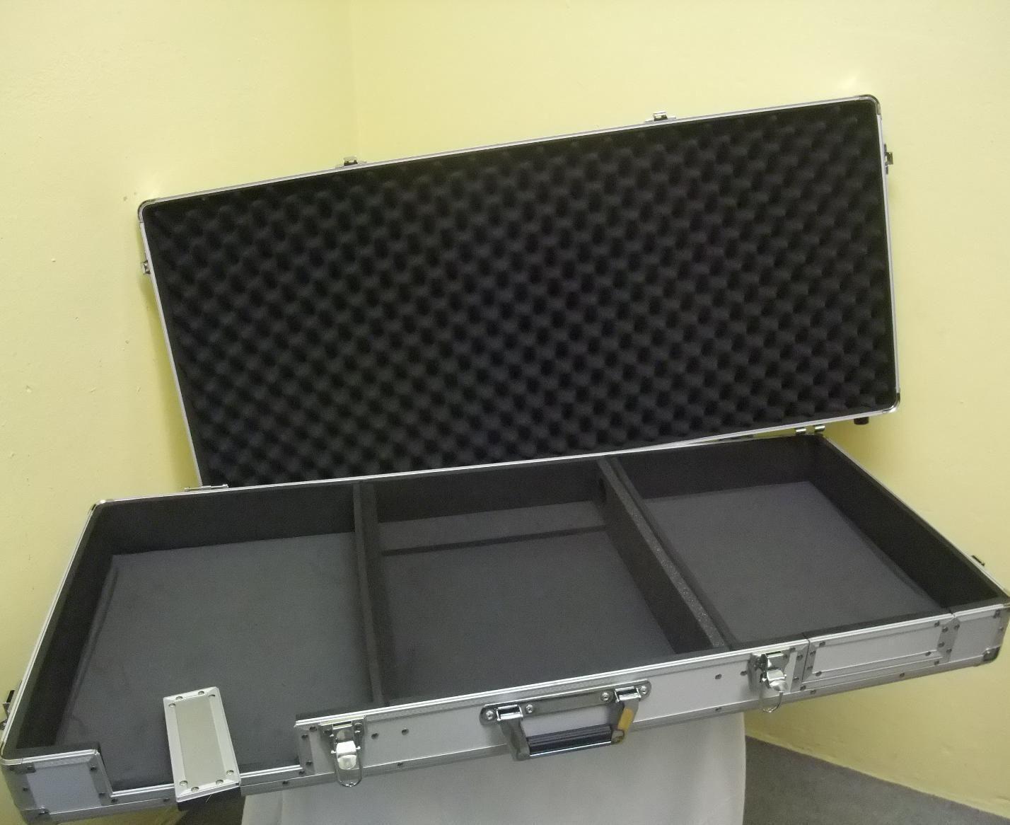 ROANDINGER Konsole DIGI-2 2xCD 1xM-12 alu DJ-Case DJ-Workstation Konsolencase
