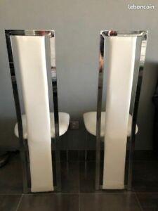 Lot de deux chaises design blanches et acier