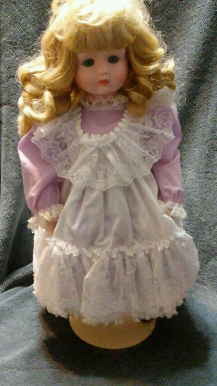 Rare Goebel Porcelain Musical Doll  Maria  Betty Jane Carter