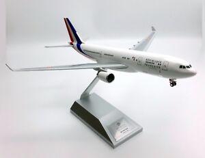 Maqueta-Avion-Airbus-A330-200-Presidencial-Republica-Francesa-a-1-200