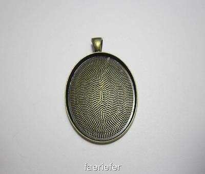 Large picture setting oval pendant frame blank for 30 x 40 mm cabochon Gun Metal