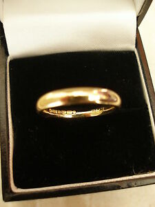18 CARAT YELLOW GOLD 3MM HEAVY COURT SHAPE WEDDING RING MADE BY BN