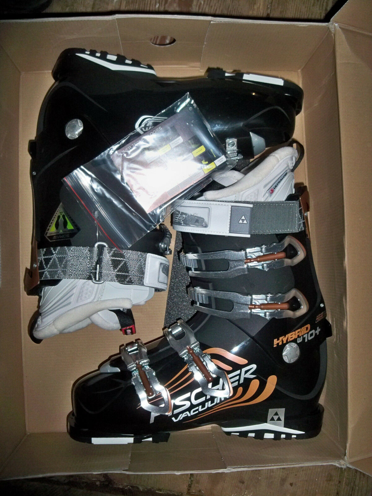 New Fischer Hybrid W 10+ Vacuum women's ski  boots, mondo 26.5 or 27.5 available  hottest new styles