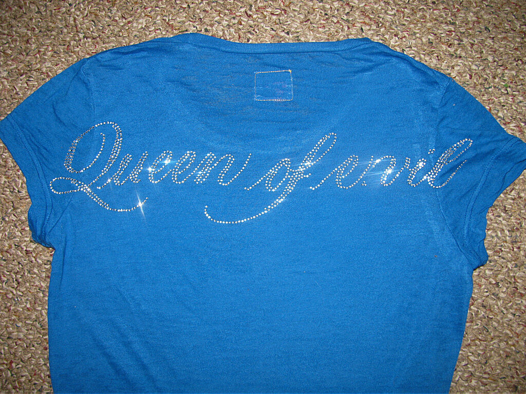 NEW  QUEEN OF E.VIL Sparkling Gemstone TEXT Graphic T-Hemd oben XS S L XL  122