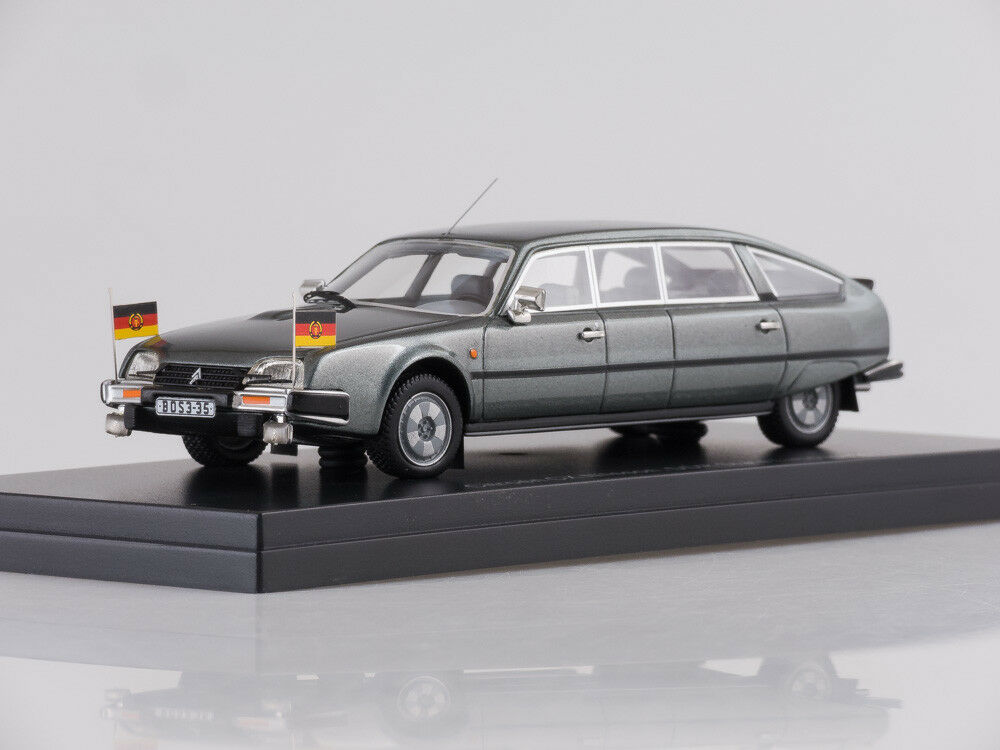 Scale model 1:43 Citroen CX Nilsson,grigio 1985 DDR-Staatslimousine mit Standarten