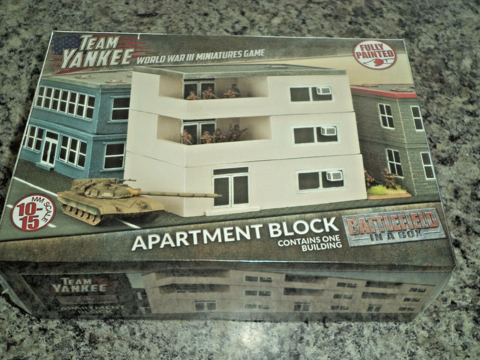 Bloque de apartamentos campo de batalla en una caja BB228 Prepintado terreno de Plástico NUEVO