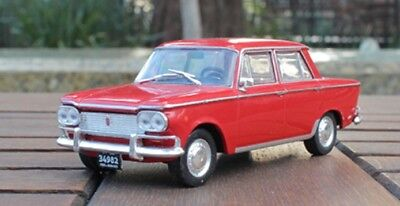 Fiat 1500 Coupe 1966 Rare Argentina Diecast Car Scale 1:43 With Magazine