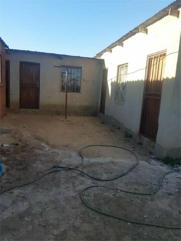 RDP house for sale with outside room for rental accommodation