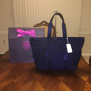 f2551d2ad27f NWT Tory Burch Penn Nylon Mid-Zip Tote Bag in Navy with Tory Gift ...