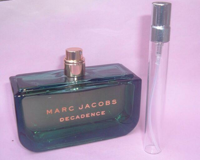 36b7e0c945 Marc Jacobs Decadence Eau De Parfum 10ml Sample Travel Spray Perfume ...