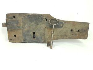 Grande-serrure-de-porte-en-fer-forge-XVIIIeme-avec-cle-d-039-origine-fonctionne