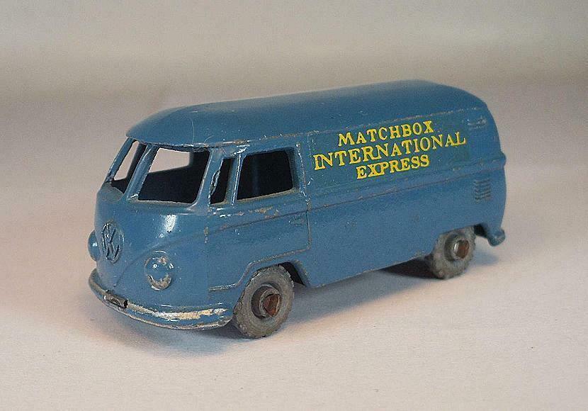 MATCHBOX regular WHEELS n. 34 a VOLKSWAGEN microvan blu MTW LESNEY  625