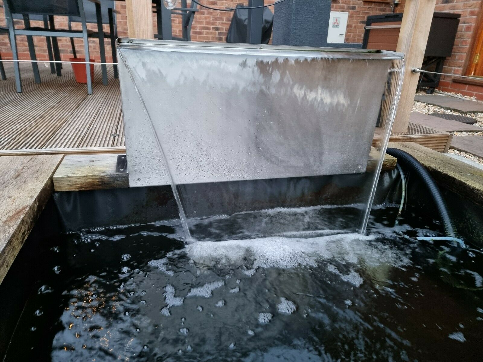 90cm Stainless Steel Blade Waterfall and Stainless Steel column for Pond