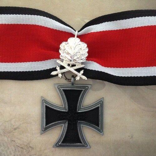 1939 - 1957 GERMAN KNIGHT'S CROSS W/ SILVER OAK LEAVES   REPLICA   ARMY   WWII
