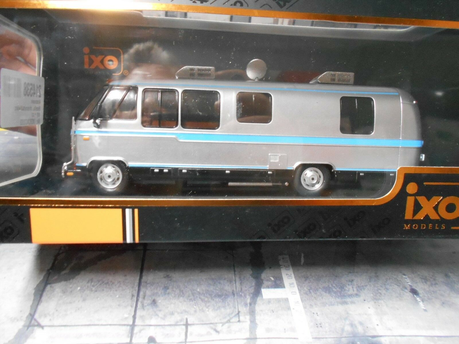 Airstream Excella Turbo 280 Motorhome 1981 Camper Camping Wohnmobil LKW IXO 1 43