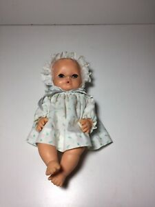 Vintage-Vinyl-Baby-Doll-HK-8126-Drink-And-Wet-Head-Turns-10-Includes-Clothing