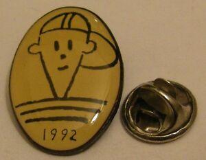 FIDO-DIDO-model-22-PEPSI-SEVEN-UP-vintage-pin-badge