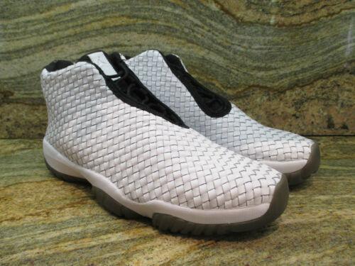 Future Jordan in muestra Nike Premium Air nAOBE