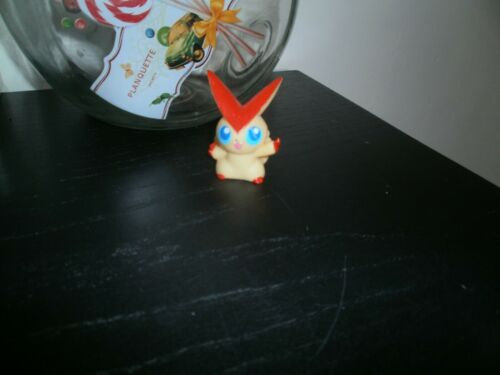 Figure VICTINI Hauteur= 5cm Officielle de marque Bandai Figurine POKEMON