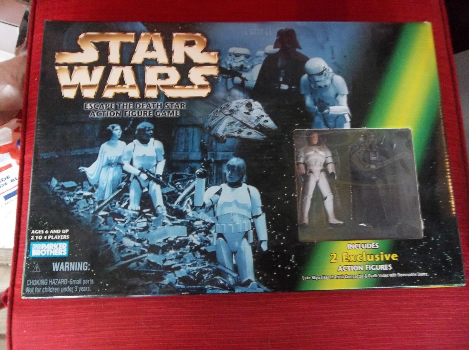 1998 Parker Bros. Star Wars Escape the Death Star Action Figure Game NICE