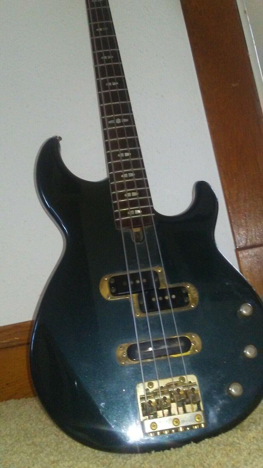 Yamaha BB1600 Bass Guitar & Hard Shell Case