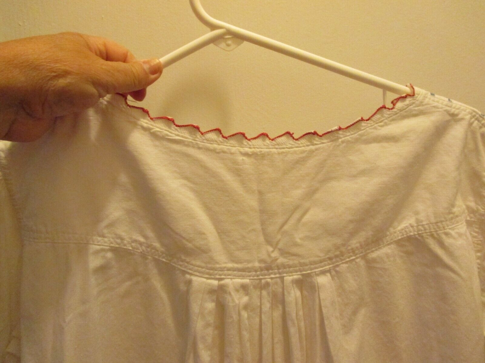 ANTIQUE VICTORIAN EDWARDIAN WHITE NIGHT GOWN RED … - image 5