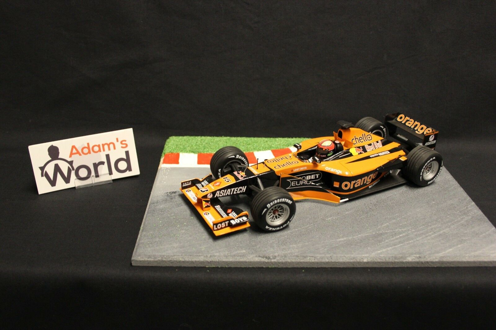 Minichamps Arrows Asiatech A22 2001 1 18  15 Enrique Bernoldi (BRA) (F1NB)