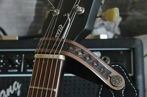 LEATHER ACOUSTIC OR ELECTRIC GUITAR HEAD STOCK STRAP TIE HOOK BUTTON UK