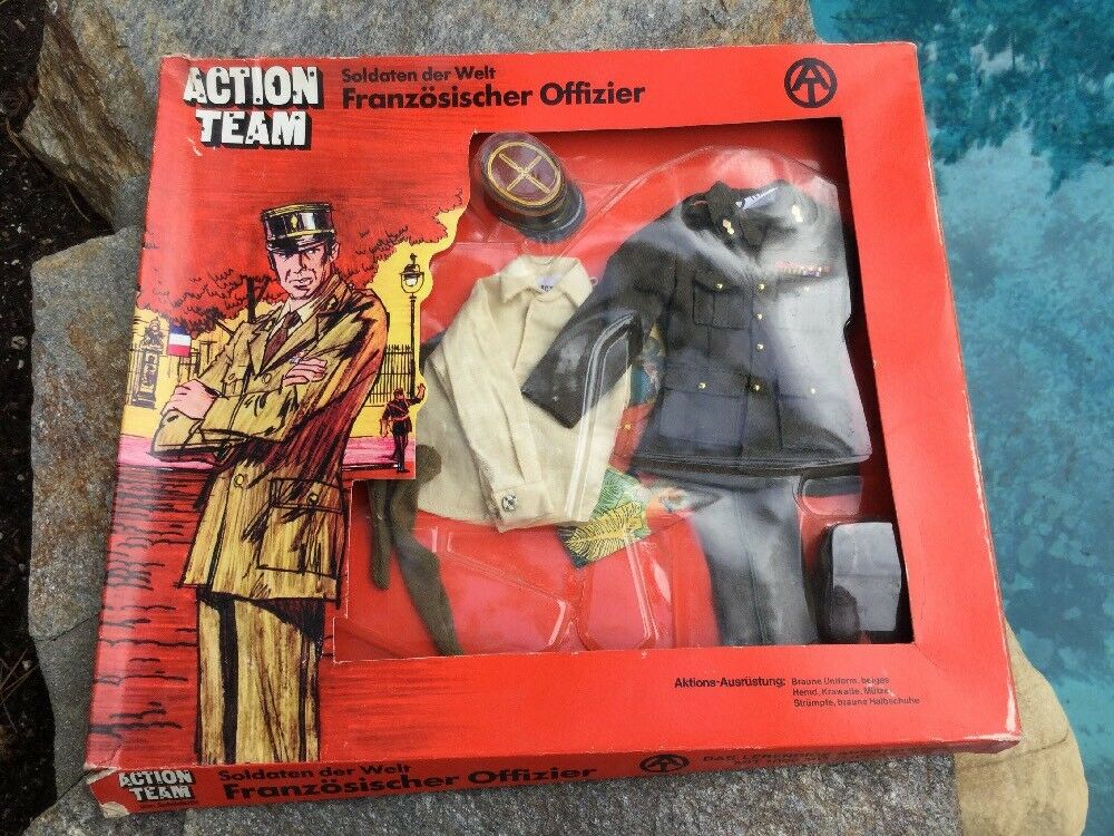 GI Joe Action  FRENCH OFFICIER  Uniform 1970 HASBRO Nuovo On Box