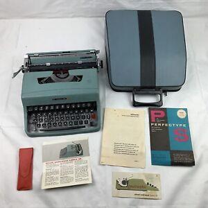 Olivetti Lettera 32 Vintage Portable Typewriter W/ Case, Instructions & Brush